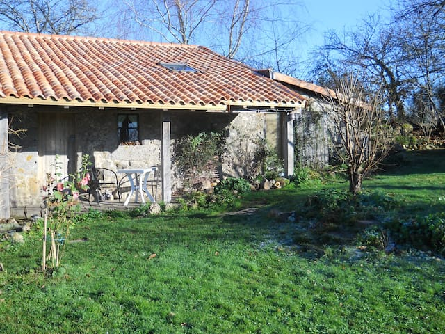 Chez Ardanza rustic rural B&B - Busserolles - Bed & Breakfast