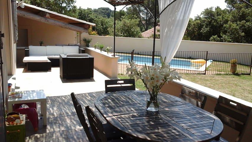 Maison et studio en Provence avec piscine sécur