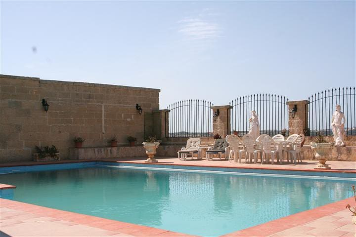 Pool Party Venue - Mgarr