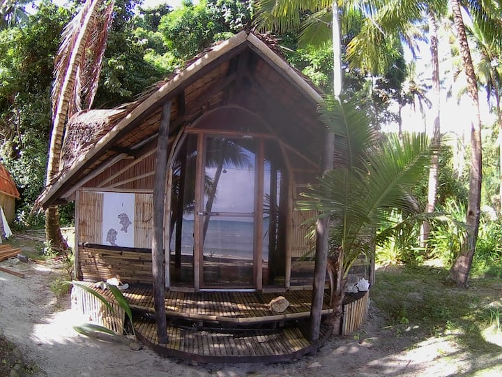 Beachfront for 2 at Akim's Haven. Smallest kubo