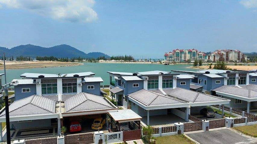 Marina island