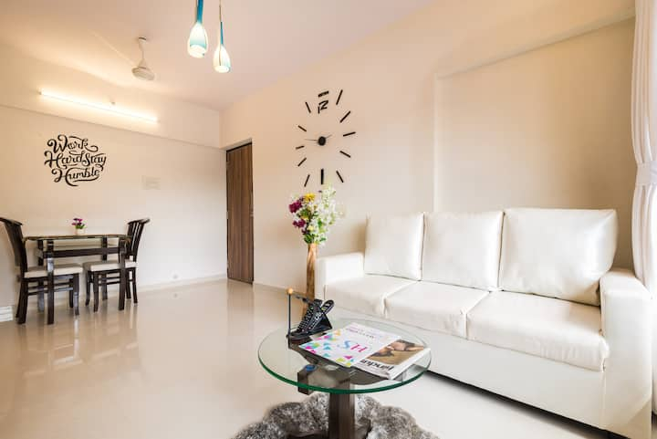 Modish 1 BHK Suite