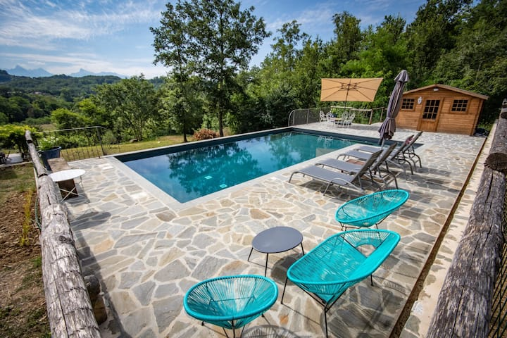 Ca' del Gallo- Holiday Cottage with Pool