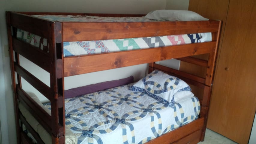 """Cozy/Adult """"Twin"""" bunk beds"""