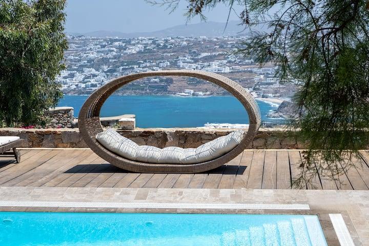 LaLa Villa with Private Pool
