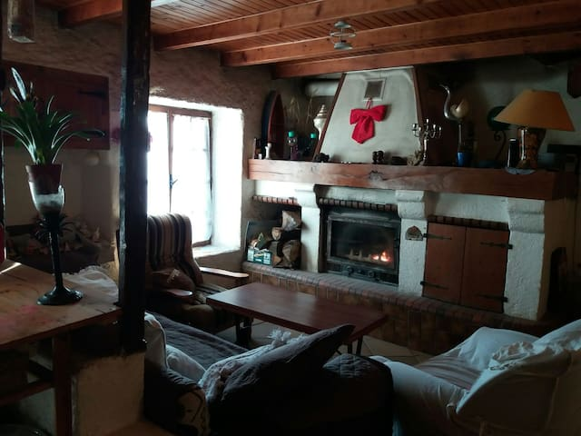 Chambre chez l'habitant pour 1 ou 2 - Saint-Victurnien - Casa