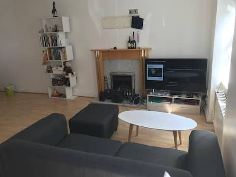 Private room in central Douglas - 10 min promenade