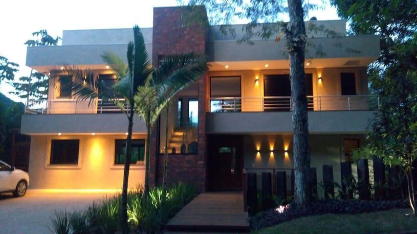 Casa de Alto Padrão Praia Vermelha Sul - Ubatuba