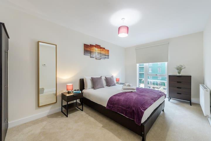 Colindale modern 1 bedroom Apartment