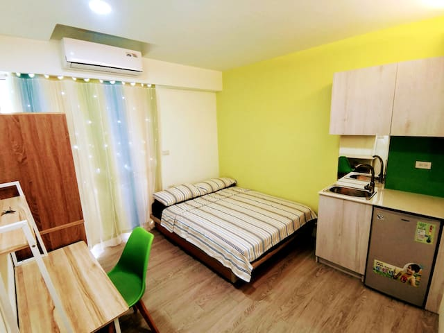 Suite in Taichung / 5 minutes walk to night Market