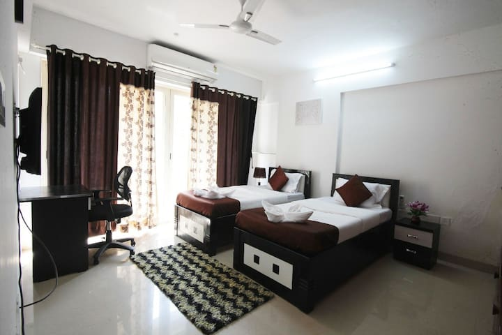 Full 3BHK Apartment at Kurla near BKC Sion Chembur