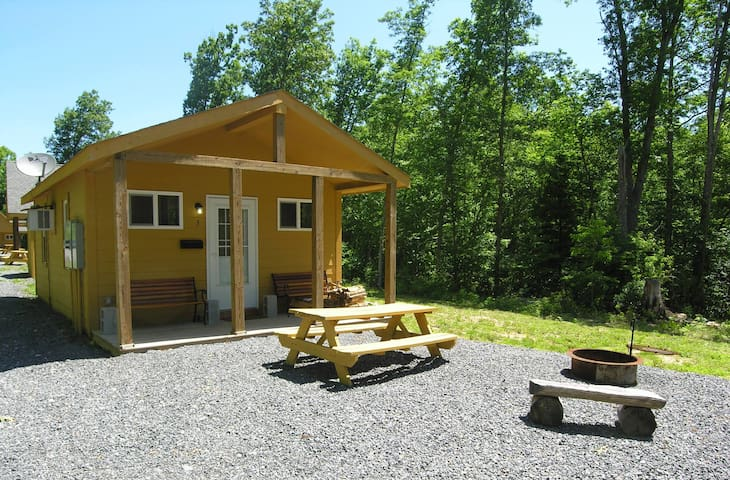 New River Cabins #6 Fayetteville close to NewRiver