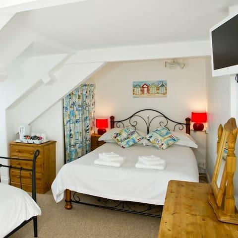 Trevenna Lodge B&B - double/twin en suite room