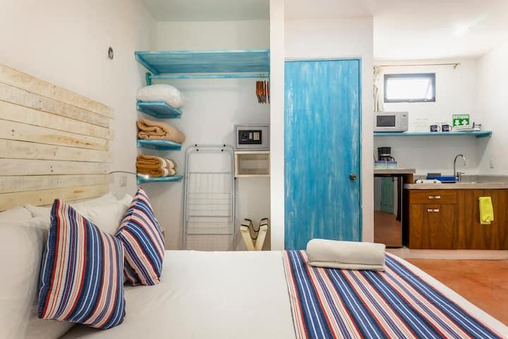 CLEAN 🧤 & COMFY ✨ KS BED ST 8 +NETFLIX+FREE BIKES