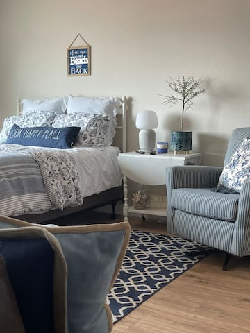 Comfy master bed with premium mattress and linens