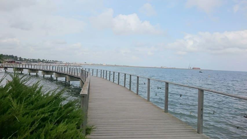 Villa con piscina y a 50m del mar. WiFi 2