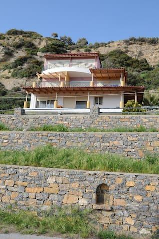 THALASSA HOUSE  apts/ PLAKIAS CRETE - Plakias