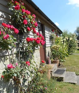 Spacious Swallow Cottage   - Salisbury - Casa