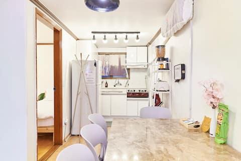 [HBC] 2Bed Room Nut's house 해방촌 초입 아늑하고 편안한집