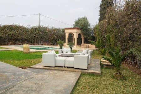Tres belle villa pour les vacances - marrakech - Villa
