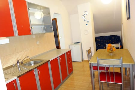 Cheap & Chic Apartment3 - Obrovac