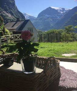 "Great Location!!! ""Trollhjem"". Free parking/WiFi"