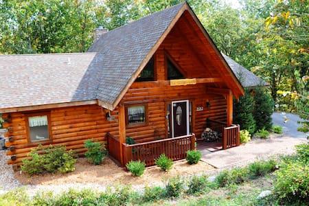 Amazing Secluded Location, HotTub, Jet bathtubs, Woods, Near Big Cedar & Shows - Ridgedale - Dom