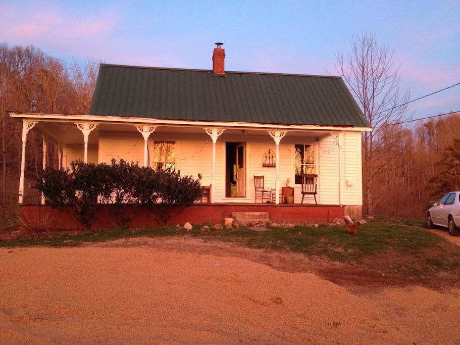 Cozy 2 Bedroom Farmhouse In Country Houses For Rent In Johnson City Tennessee United States