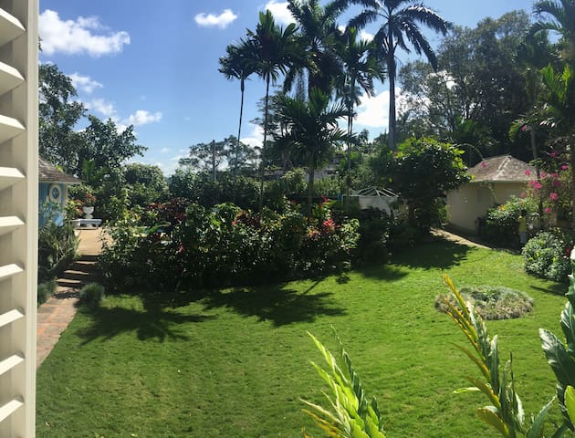 2.500 sq.m of lush garden with your own pvt .pool