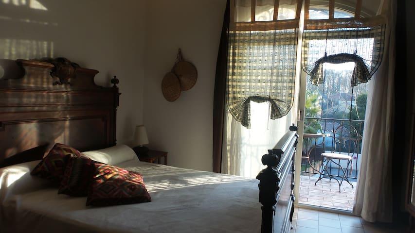 Chambre d'hôtes Au Vieux Cyprès - Lavérune - Bed & Breakfast
