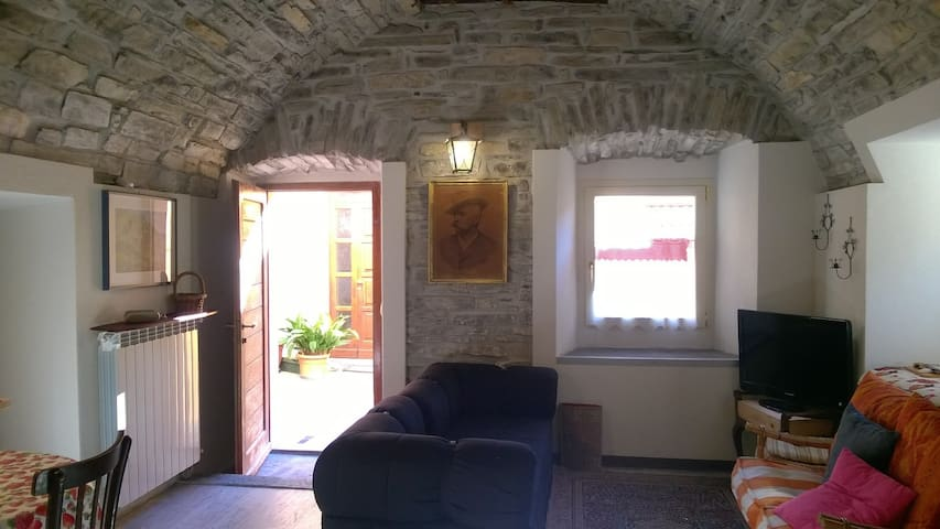 Lovely nest in stone at Como Lake free wifi - Moltrasio - Apartemen