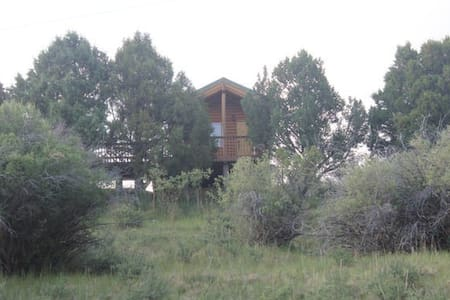 Log cabin on 280 acre Sevier River Ranch - 2 Twin beds - Hatch - Blockhütte