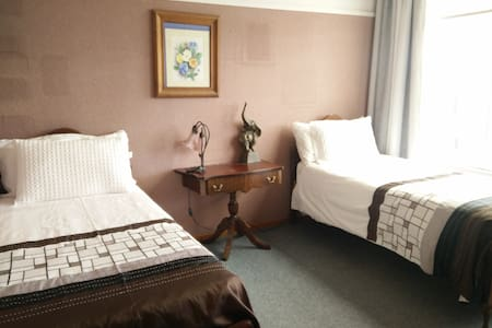 Comfortable  homestay large rooms  - Allanton