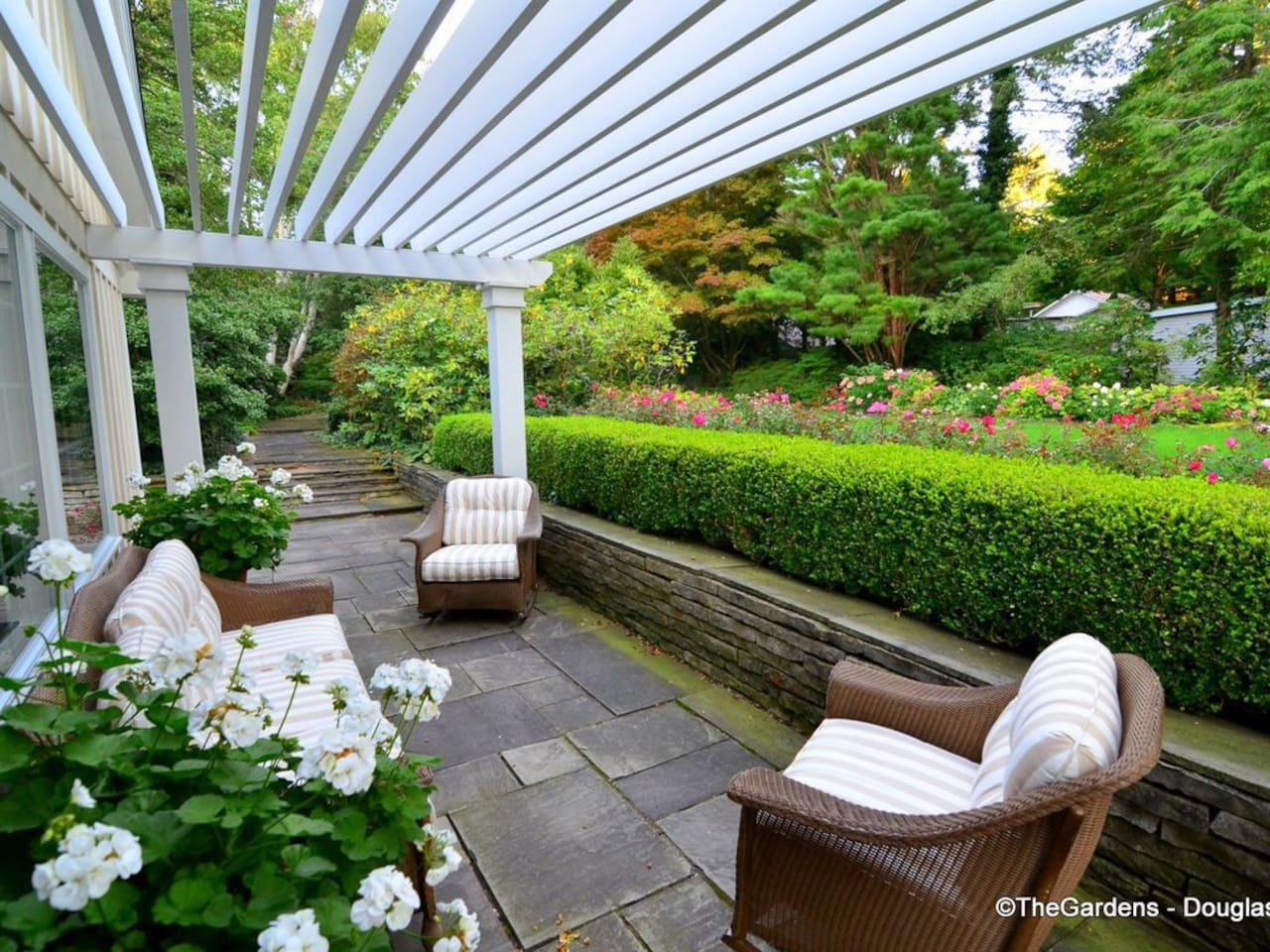 You will love to relax here at The Gardens Azalea