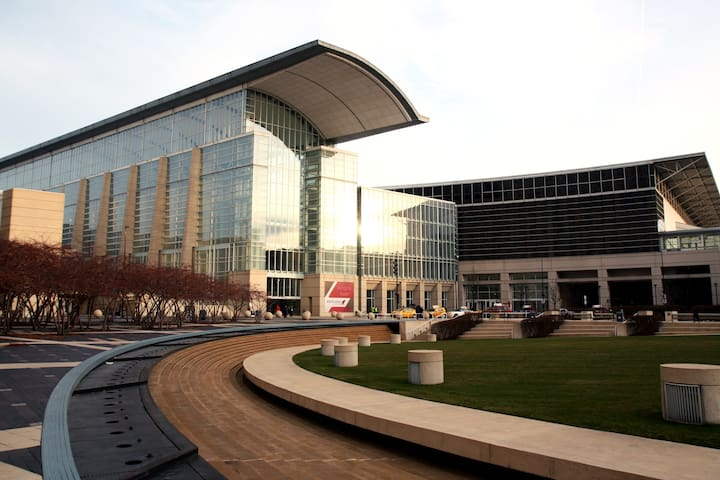McCormick Place, Chicago is just 9 minutes away (2.9 miles) from the property!