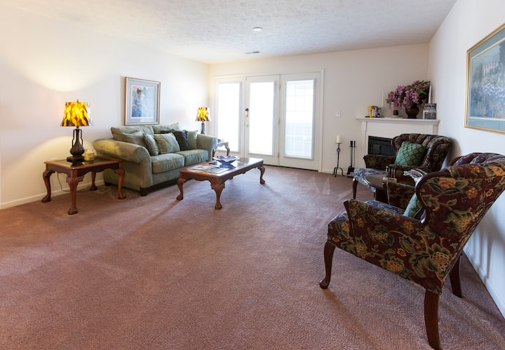 Mint Private 1 bedroom - Louisville Area