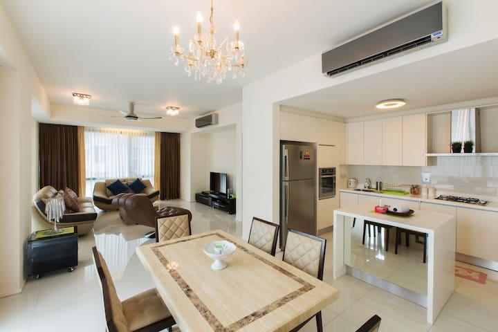2BR Luxury Apartment Hampshire KLCC