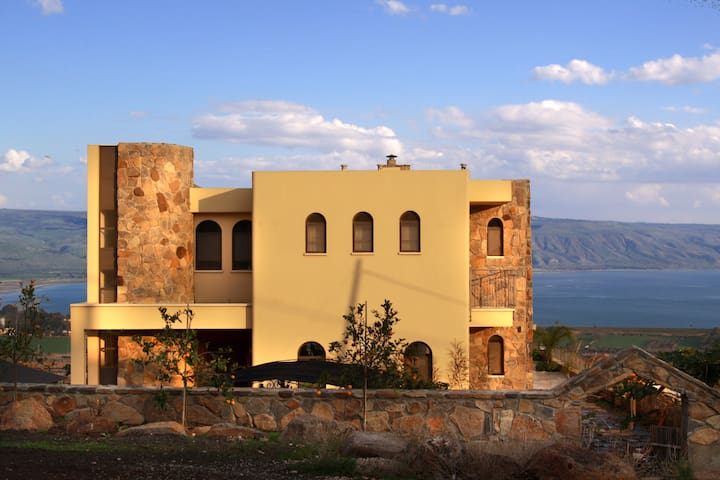 Huge villa, best sea view Galilee - Migdal - Casa
