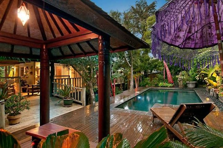 Bali House- Tranquil and Spiritual - Mount Coolum - Hus