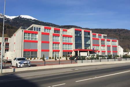 Wohntel - wohnen wie im Hotel (2z) - Sevelen - Appartement