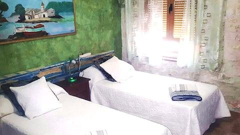 Habitacion Verde privada,salón,cueva y piscina