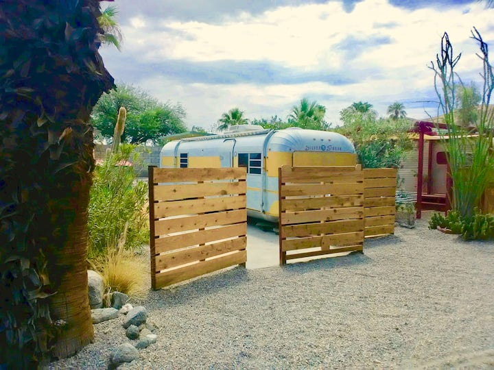 Anza Borrego Vintage Desert Glamping in style