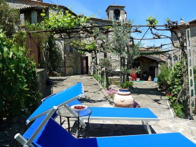 Een speciale plek voor 2 in Umbrië - Acqualoreto - Huis