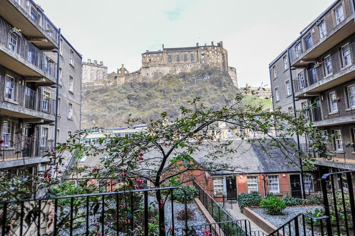 Grassmarket Approach:  below Edinburgh Castle rock