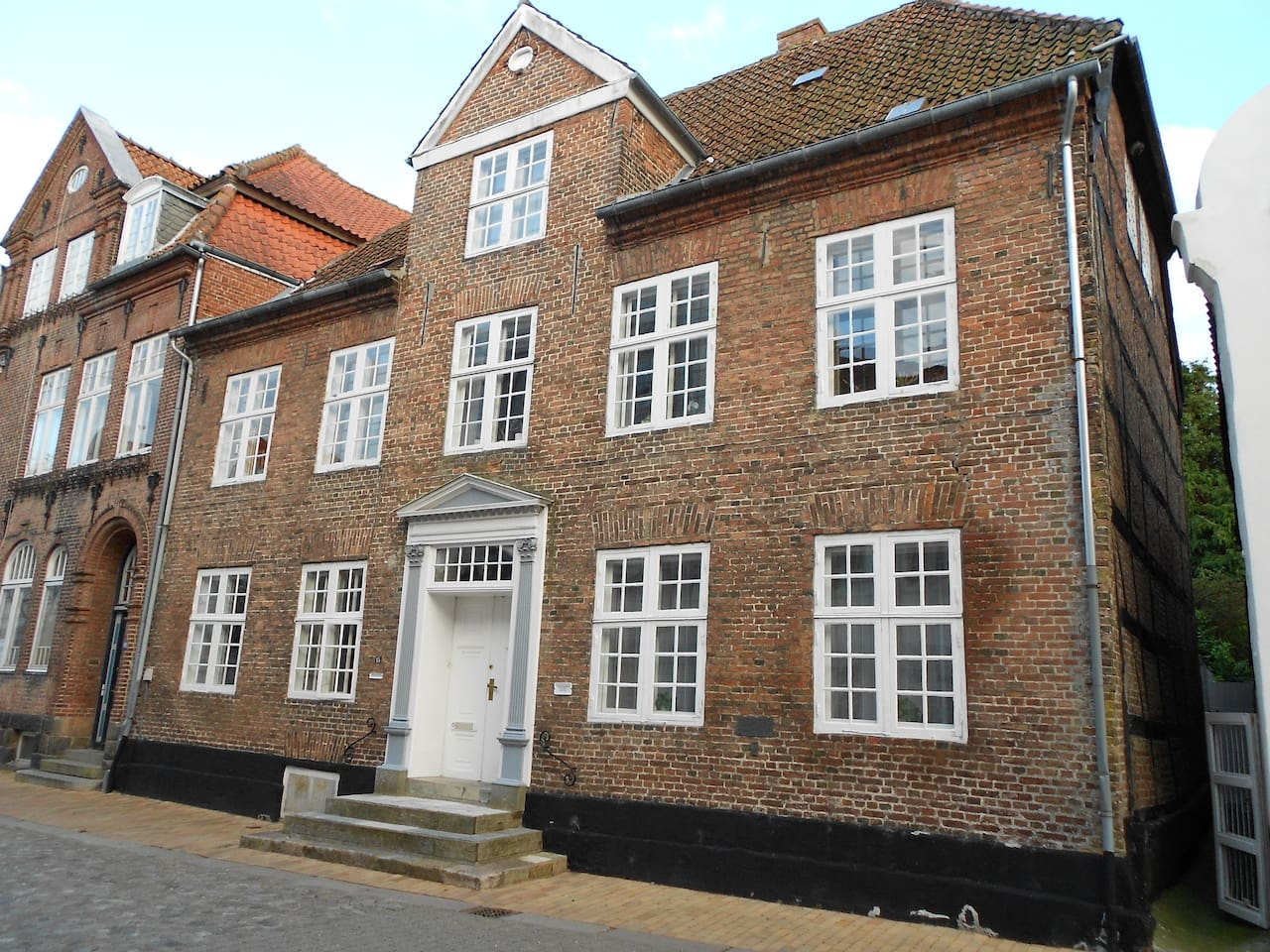 Det stolte hus midt i  Tønders historiske bymidte