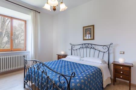 Assisi Grande Appartamento Nuovo