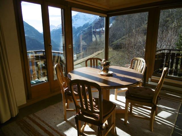 Sensationeller Blick aus Bergchalet - Embd - House