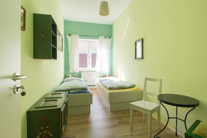 fancy twin room right in the historic centre - Weimar - Bed & Breakfast
