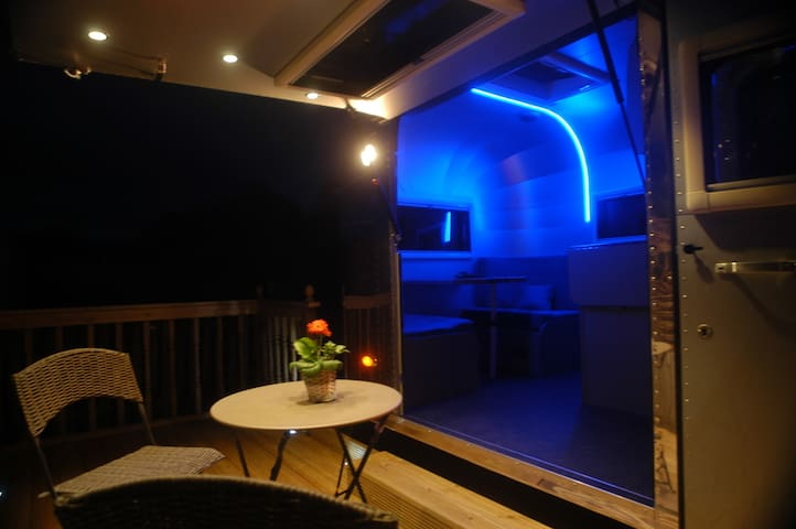 romantic evenings on the deck with the cool lighting!