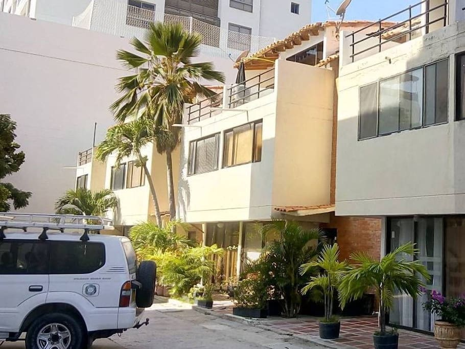 Casa / Parqueadero